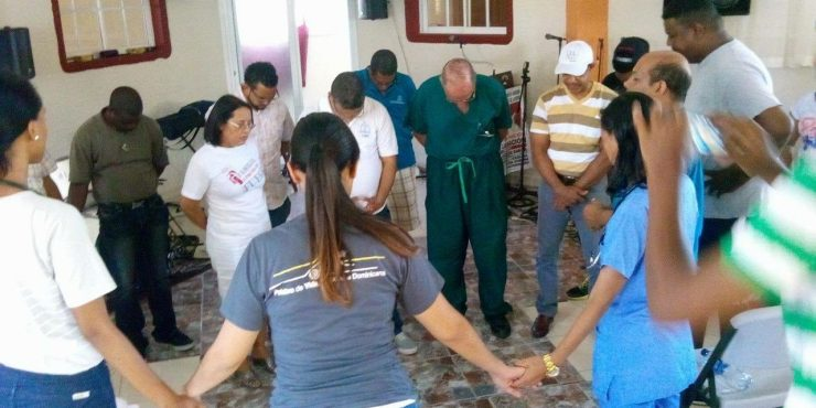Dr. Graham leads mission team to Dominican Republic/Haiti